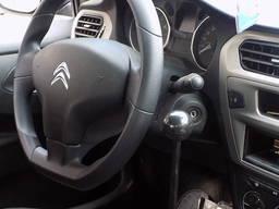 Manuell kontroll av bilen för funktionshindrade